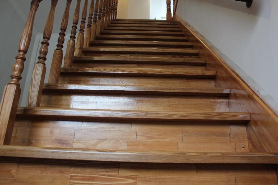 лестницы из лиственницы фото агенты